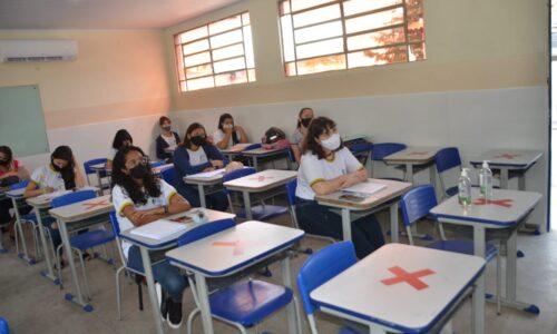 Aula presencial no Colégio Estadual Coração de Jesus