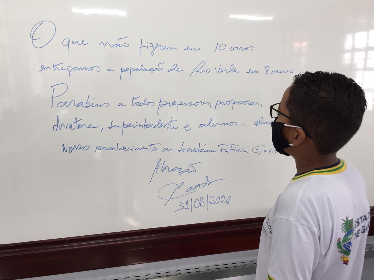 Estudante no Cepi Cunha Bastos, de Rio Verde