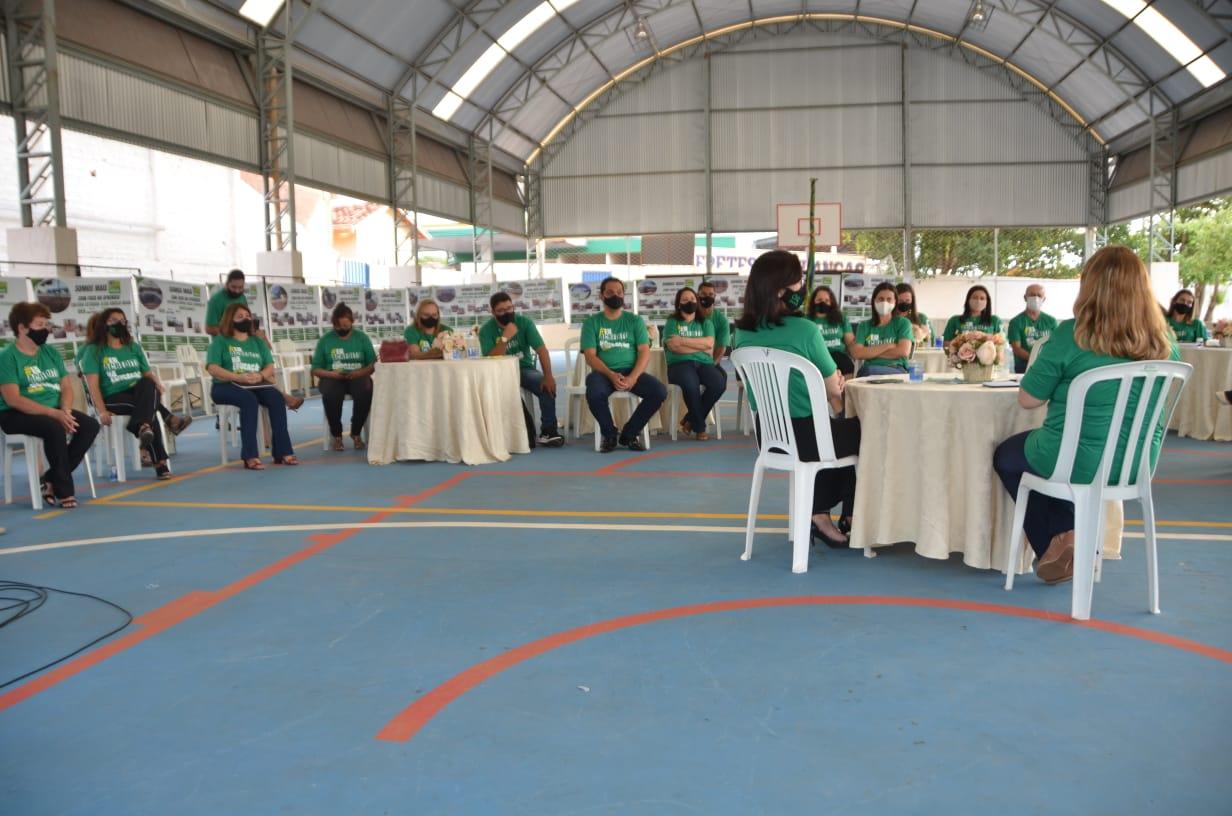 Secretária de Estado de Educação reúne-se com gestores de Iporá