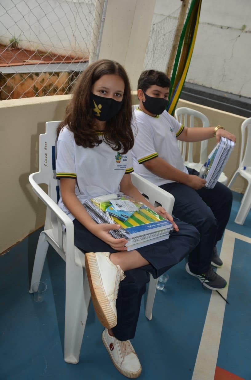 Estudantes da regional de Iporá recebem kits de material escolar
