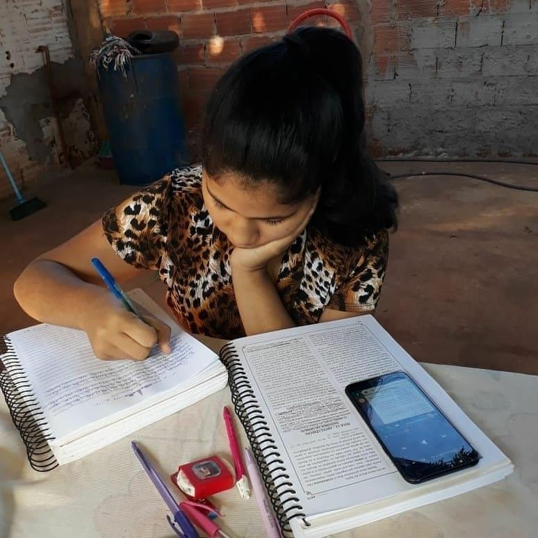 Mais de 4 mil estudantes da rede estadual de ensino são atendidos pelo programa de ensino por mediação tecnológica GoiásTec