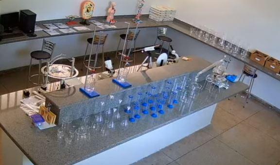 Infraestrutura escolar: Laboratório montado no Centro de Ensino em Período Integral Heloísa de Fátima Vargas, no município de Nova Glória