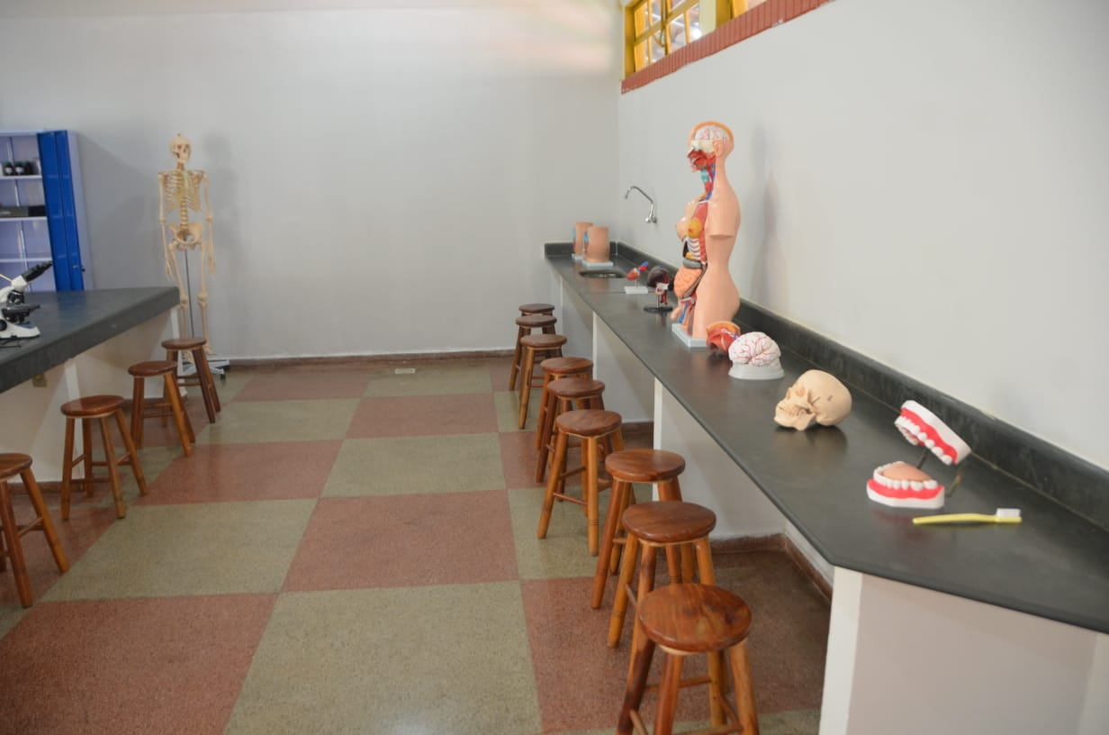 Laboratório de ciências do Cepi Luis Perillo, em Goiânia