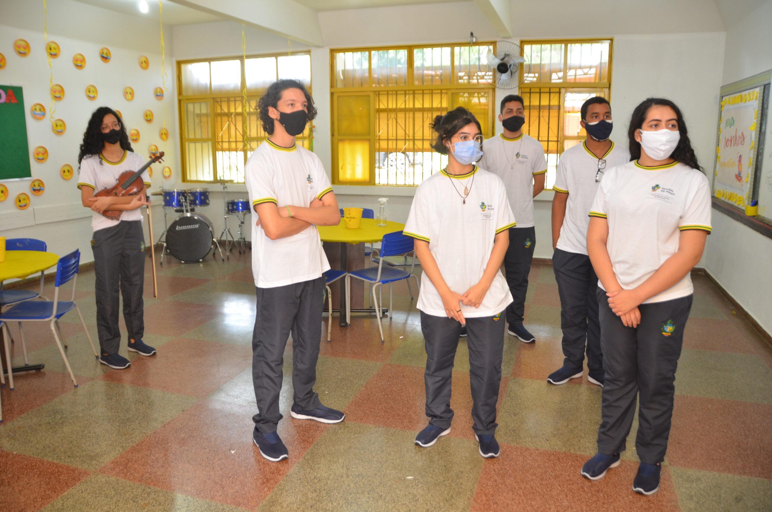 estudantes sala projeto de vida