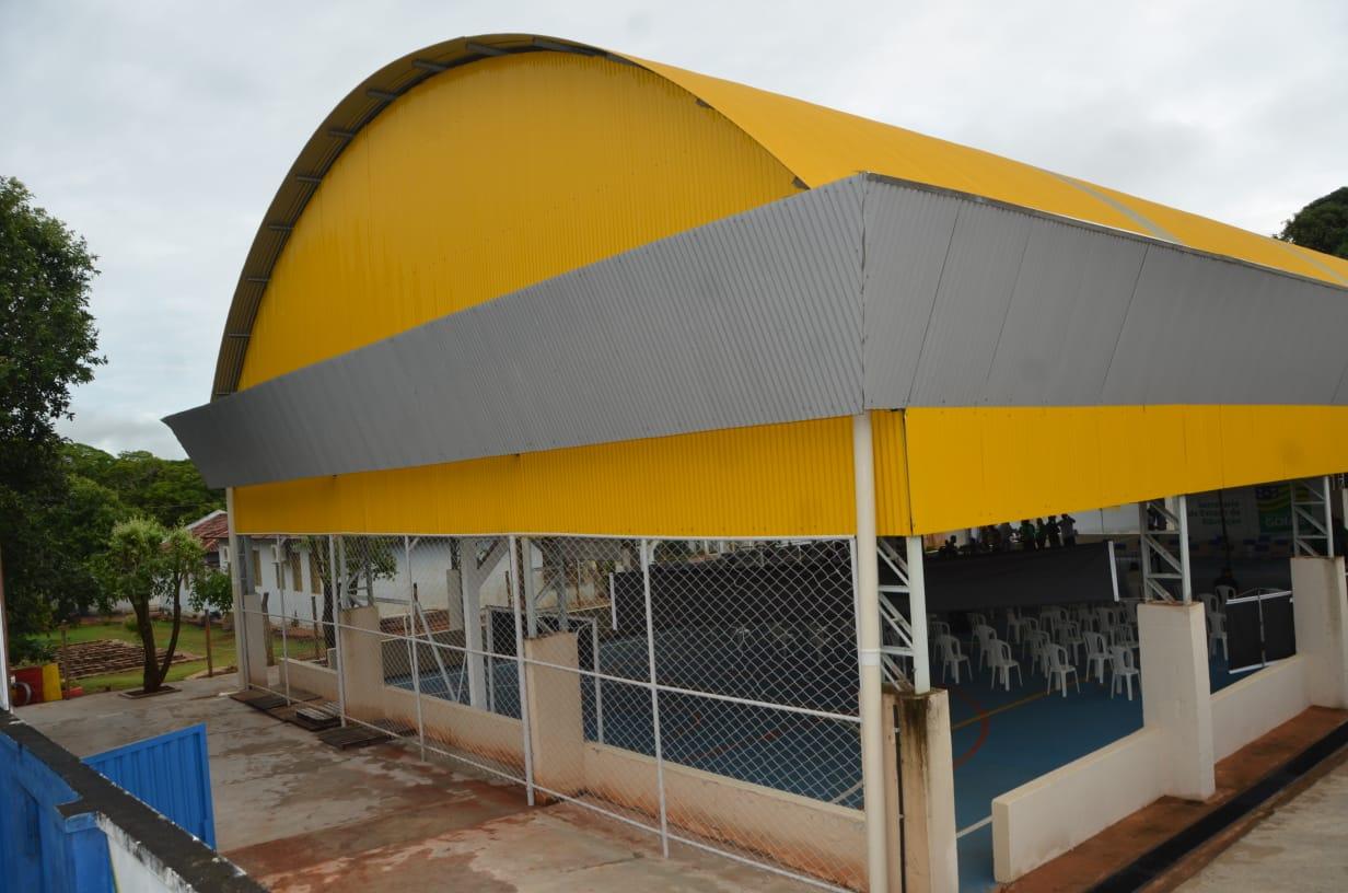 Governo de Goiás constrói quadras cobertas em seis escolas de Luziânia